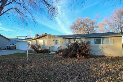 Gooding Single Family Home For Sale: 821 3rd Ave East
