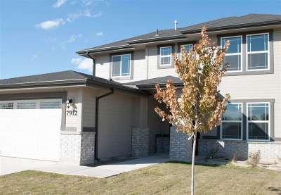 Meridian Single Family Home For Sale: 209 Yosemite