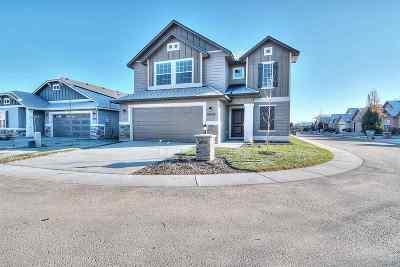 Kuna Single Family Home For Sale: 343 W Screech Owl Dr
