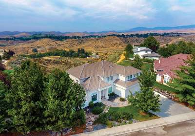 Boise Single Family Home For Sale: 490 E Sunnyridge Ct