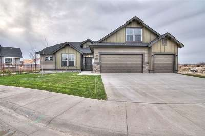 Kuna Single Family Home For Sale: 2594 N Iditarod Way