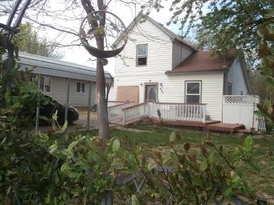 Emmett Single Family Home For Sale: 404 Riverside St