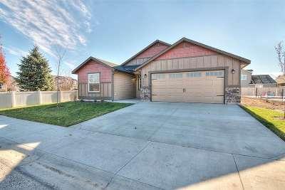 Eagle Single Family Home For Sale: 131 N Seven Oaks Ave