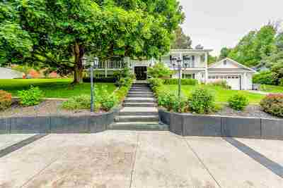 Boise Single Family Home For Sale: 703 W Highland View Dr