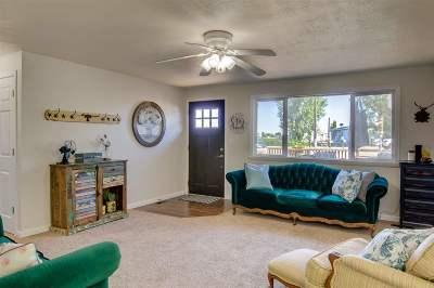 Single Family Home For Sale: 221 Burke Ln