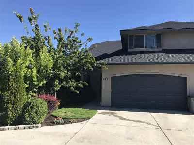 Boise Single Family Home For Sale: 226 E Lake Rim Ln.