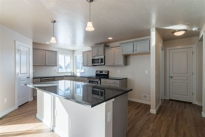 Kuna Single Family Home For Sale: 1668 N Veridian Ave.