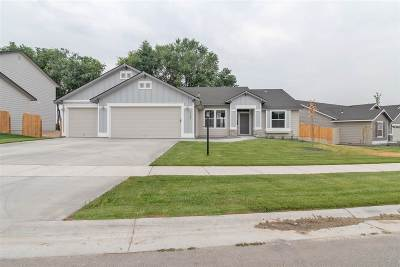 Star Single Family Home For Sale: 2158 N Cardigan Ave