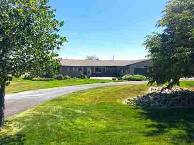 Bliss, Kimberly, Gooding, Hagerman, Jerome, Twin Falls, Filer, Wendell Single Family Home For Sale: 111 View Drive
