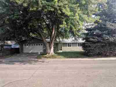 Single Family Home For Sale: 6882 W Bluebird Dr