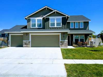 Nampa Single Family Home For Sale: 32 N Firestone Way
