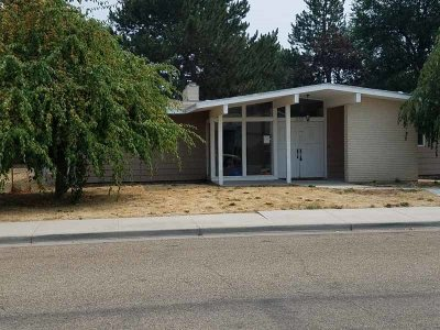 Canyon County Single Family Home Back on Market: 910 N Plateau