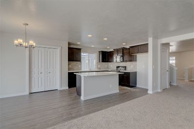 Star Single Family Home For Sale: 11904 W Pavo Ct.