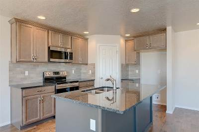 Star Single Family Home For Sale: 11922 W Pavo Ct.