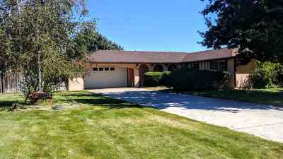Boise Single Family Home For Sale: 5704 S Round Up