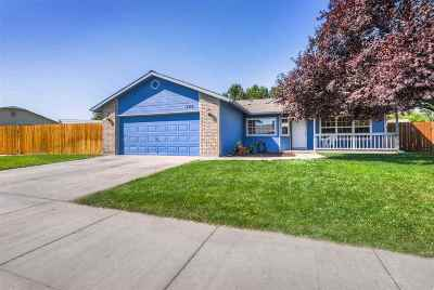 Meridian Single Family Home For Sale: 425 S Outfield Way