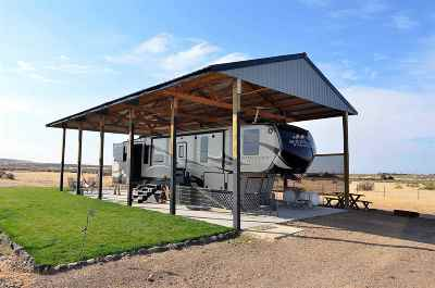Single Family Home For Sale: 4125 NE Hawk Lane