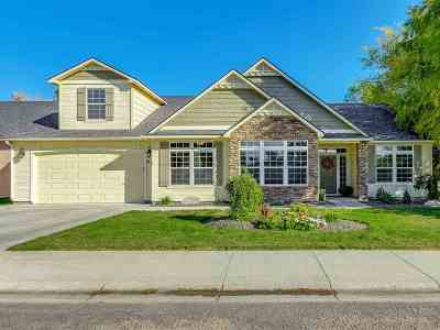 Kuna Single Family Home For Sale: 930 W Recess Way