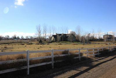 Wilder Single Family Home For Sale: 17235 Garnet Rd