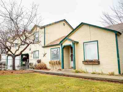 Single Family Home For Sale: 1402 E Karcher