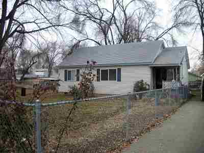 Canyon County Single Family Home For Sale: 141 Hudson Ave.