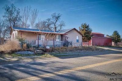Greenleaf Single Family Home For Sale: 21397 Peckham Rd