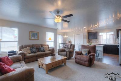 Nampa Single Family Home For Sale: 73 N Luke Loop