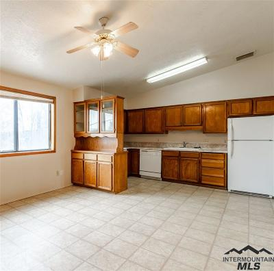 Nampa Multi Family Home For Sale: 1711 S 1st St #9