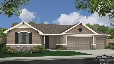 Kuna Single Family Home For Sale: 921 E Buck Dr.