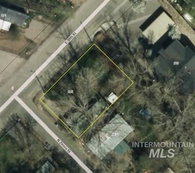 Garden City Multi Family Home For Sale: 215 E 39th