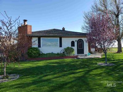 Hansen Single Family Home For Sale: 22983 Hwy 30