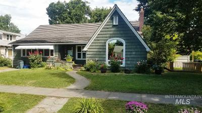 Single Family Home For Sale: 631 7th Avenue