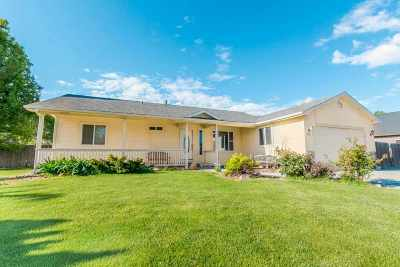 Nampa Single Family Home For Sale: 22 S Rolling Green St