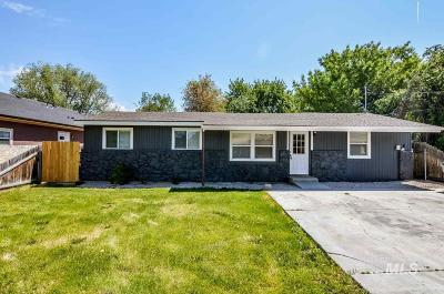 Single Family Home For Sale: 1920 Ancestor Ave.