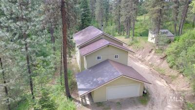 Garden Valley Single Family Home For Sale: 14 Forest Trail