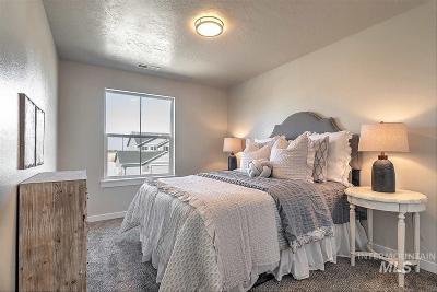 Star Single Family Home New: 11749 W Hidden Point St