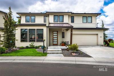 Boise Single Family Home For Sale: 2901 E Heartleaf Ln