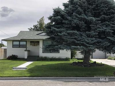 Ontario Single Family Home For Sale: 380 Hillcrest Dr.
