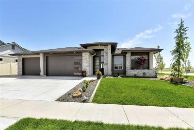 Meridian Single Family Home For Sale: 1511 W Oak Springs