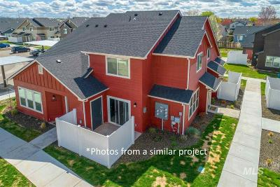 Eagle Multi Family Home For Sale: 51 W Tompkins Ln