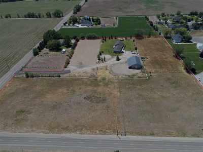 Middleton Single Family Home For Sale: 24875 Lansing Ln