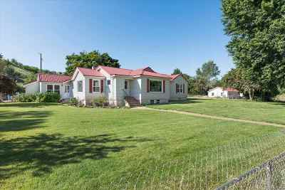 Single Family Home For Sale: 11 Pioneer