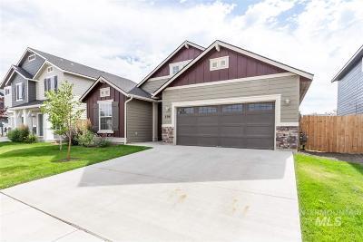 Meridian Single Family Home New: 694 N Stucker Ave.