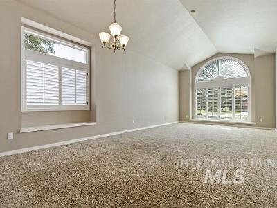 Boise Single Family Home For Sale: 11308 Hickory Loop