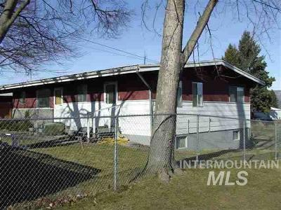 Lewiston Single Family Home Contingent Finance: 427 Preston Avenue