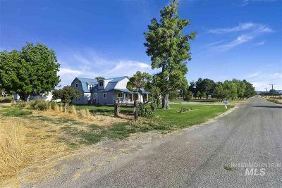 Single Family Home For Sale: 3334 Ua