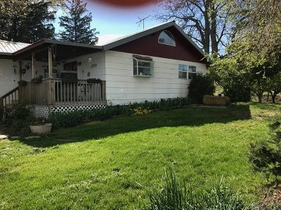 Parma Single Family Home For Sale: 3200 1st Ln E