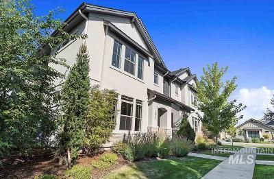 Boise Condo/Townhouse Price Change: 3873 S Woodcraft