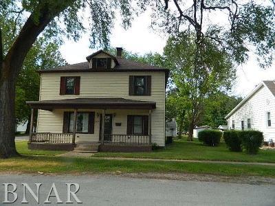 Clinton IL Single Family Home For Sale: $74,500