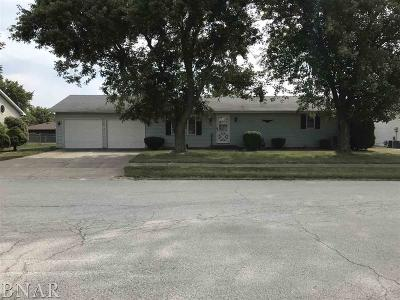 Clinton IL Single Family Home For Sale: $119,900